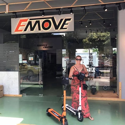 Voro Emove Touring Electric Scooter Cutomer On Store