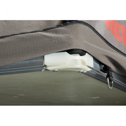 Image of Yakima Skyrise HD Roof Tent corner close up