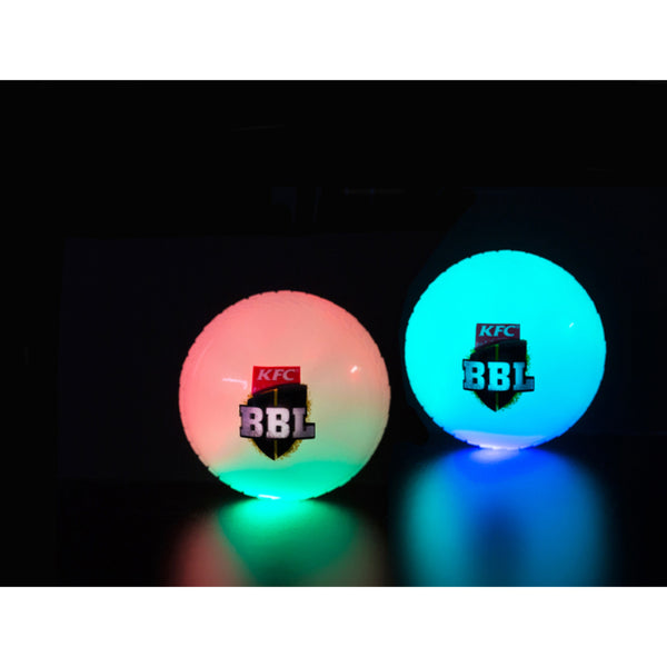 BBL LIGHT UP CRICKET BALL