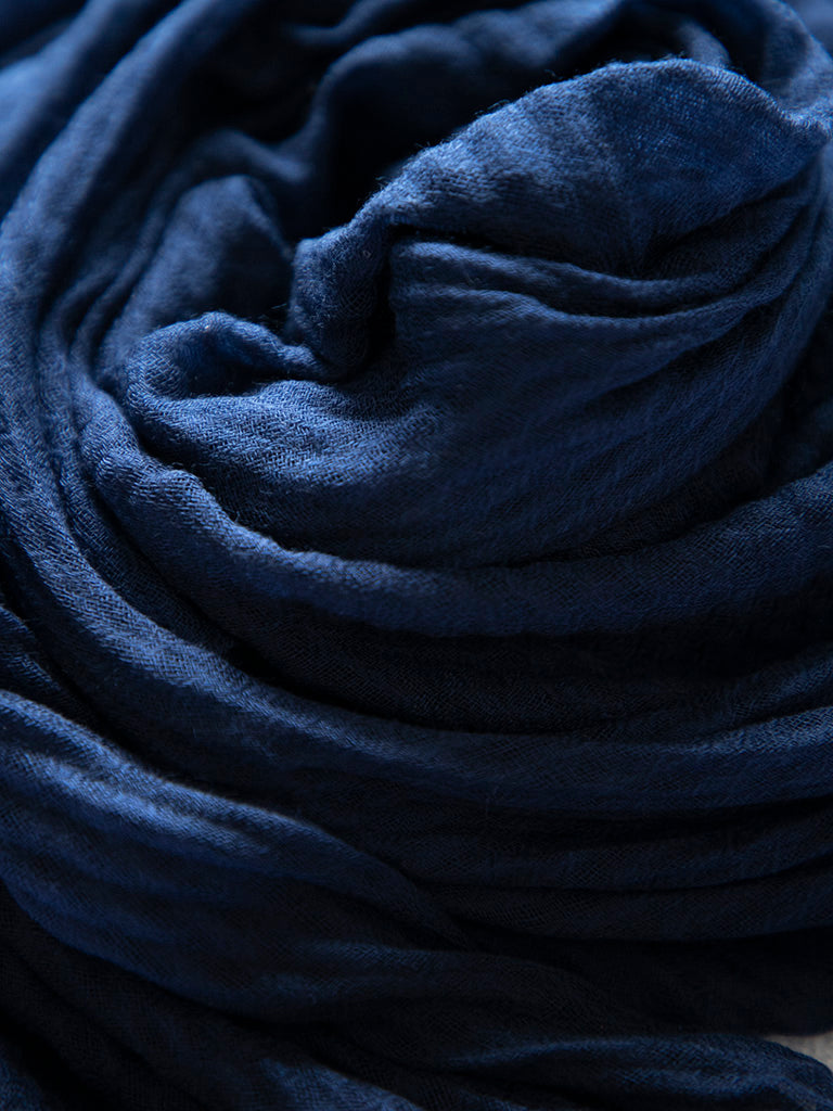 Navy Crinkled Hijab