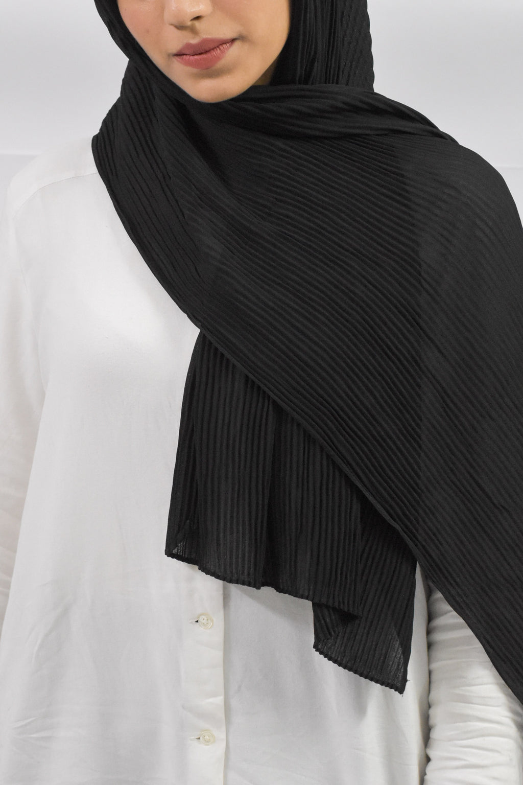 Black Ribbed Georgette Hijab - Modest Essentials