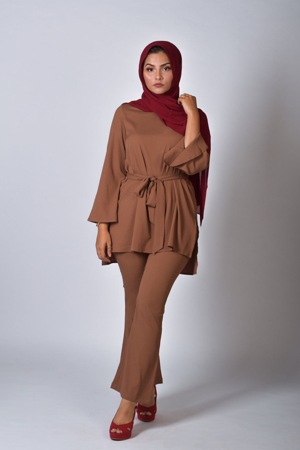 nabeeha fakih wearing brown top and pant two piece set , stylish co ords set