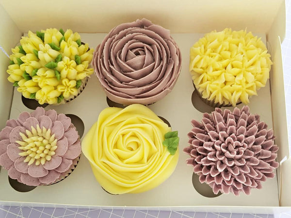 Gift Box of 6 Flowers