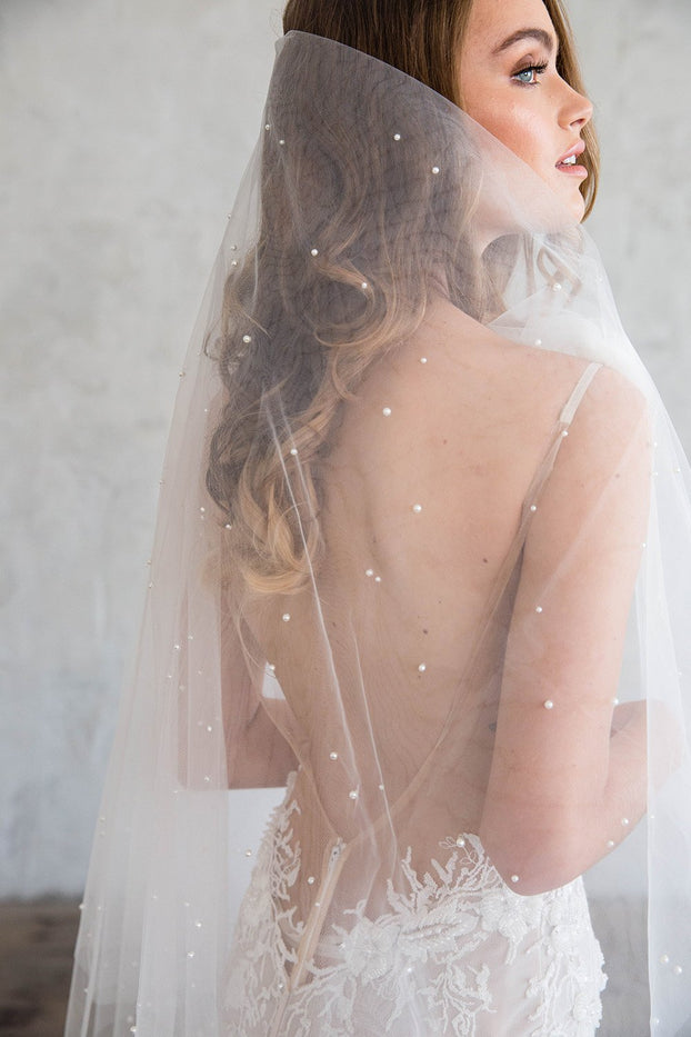 BLANCHE FINGERTIP DOUBLE VEIL - WITH SCATTERED PEARLS