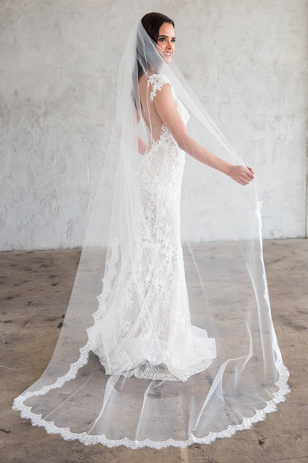 "COLLETTE CHAPEL VEIL - SCALLOPED LACE 45"" FROM COMB"
