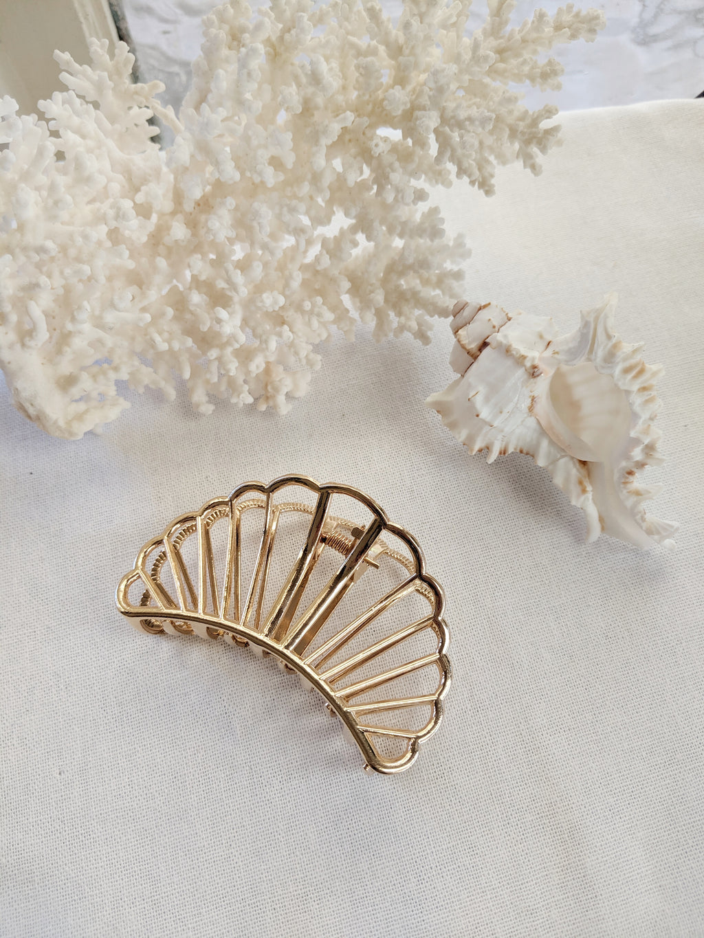 Scallop Hairclip