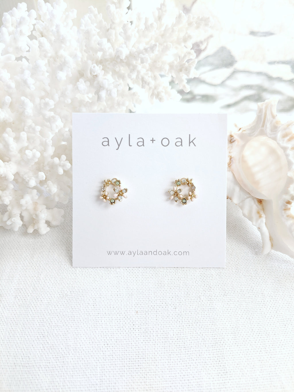 Melodie Studs - Gold