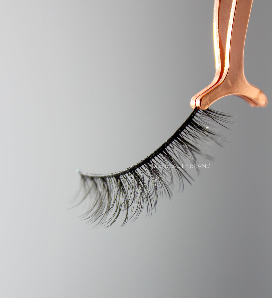 GIRL NEXT DOOR SILK LASHES
