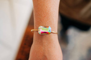Irredecient Stone Bangle