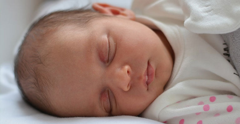 6 Tips to Keep Your Baby Safe While Sleeping