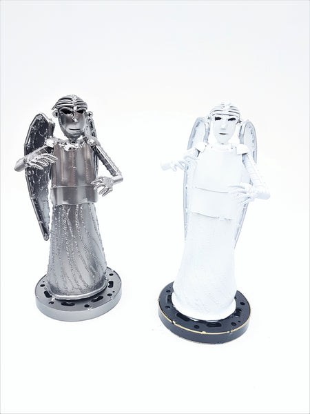 Dr Who - Angel Hands Out