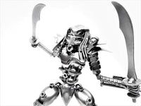 Predator 30cm Mask On - Two Swords