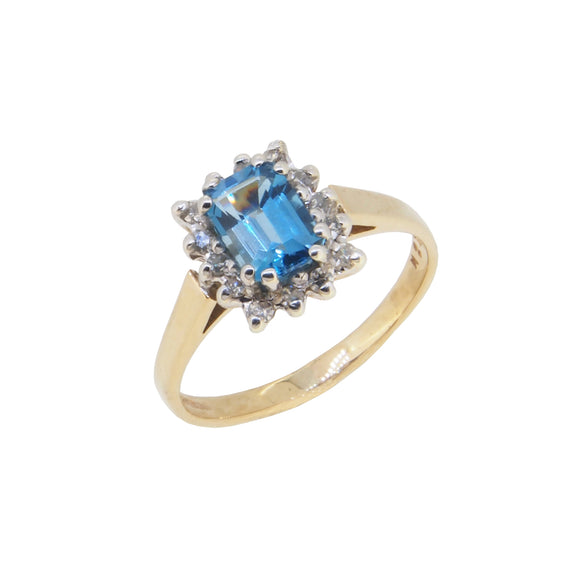 A modern, 9ct yellow gold, blue topaz & diamond set cluster ring