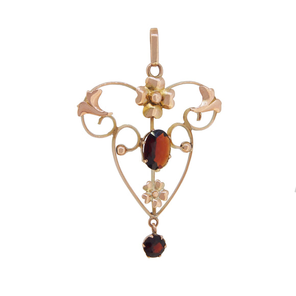 An Edwardian, 9ct yellow gold, garnet set pendant