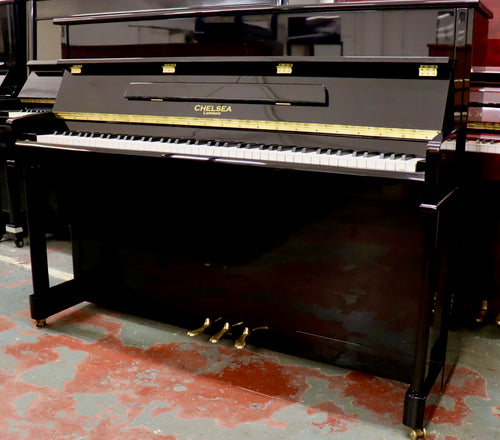 Chelsea UP110 Upright piano in black high gloss