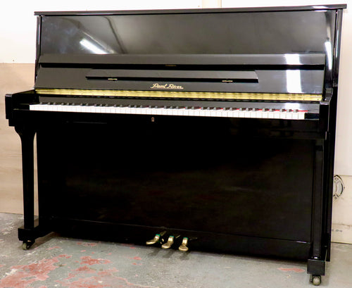 Pearl River UP115M2 Upright piano in black high gloss