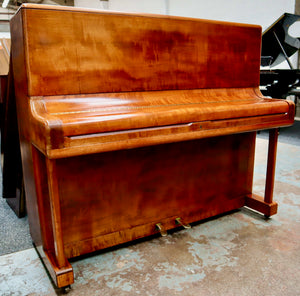 Welmar Model B in flame mahogany