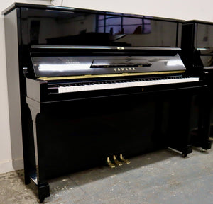 Yamaha U1 in beautiful black high Gloss Finish
