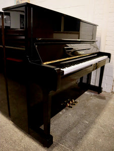 Yamaha U1 in black high Gloss Finish