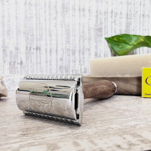 Puinen Safety Razor
