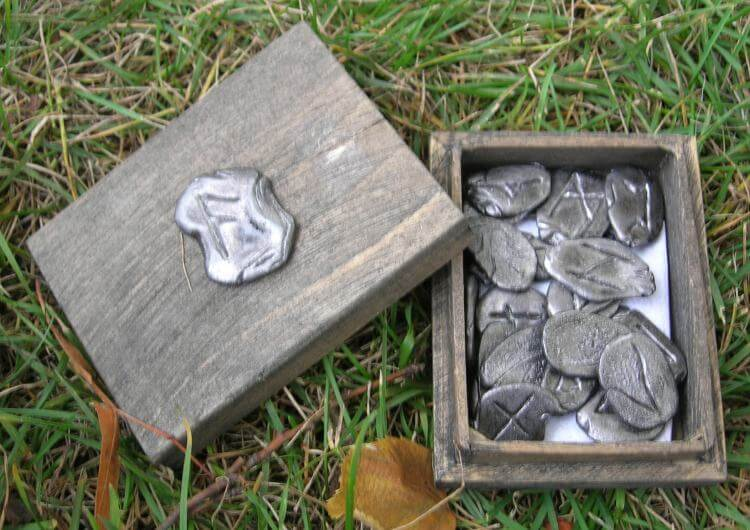 RUNE | Viking Runes with Wooden Box-Esoterico Shop-Esoterico Shop