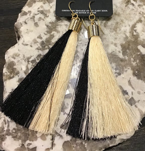 Tassel Earring- black and white