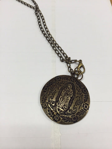 La Virgen Medallion