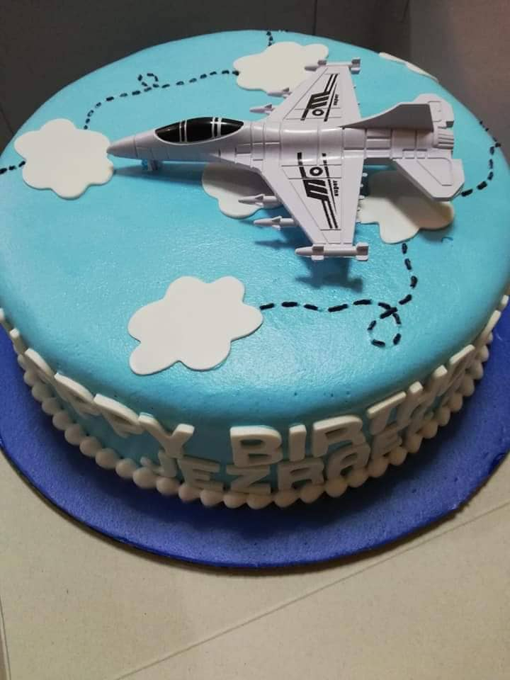 Single Layer Round Personalized Aeroplane Cake