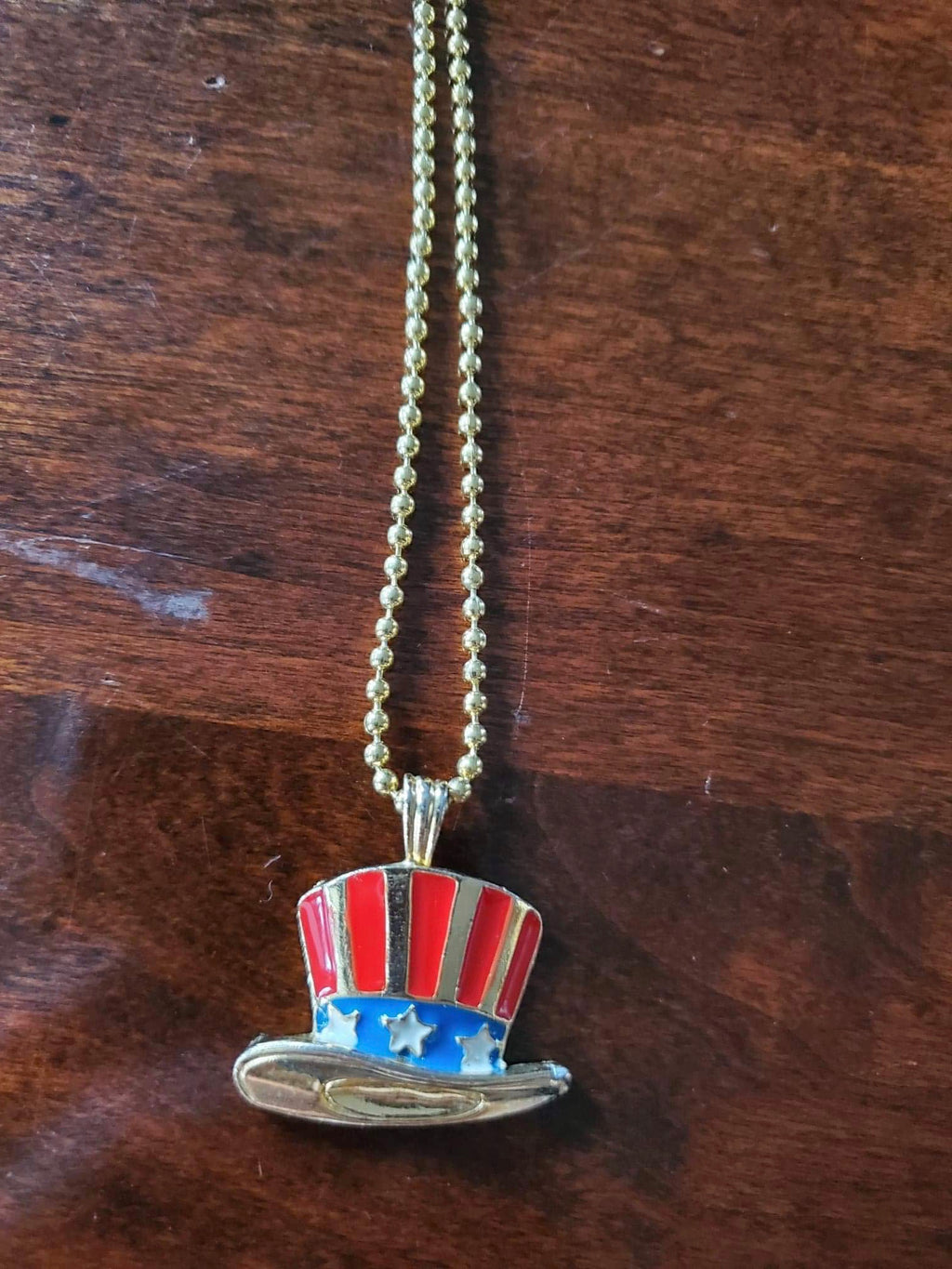 American Hat Necklace