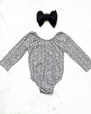 Babes and Tots - Black and White Vine Leo