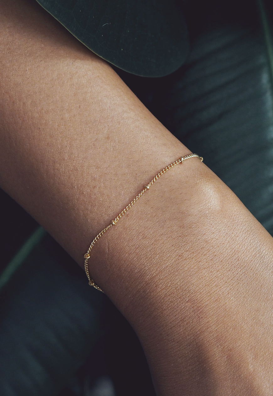 DANA. Dotted Gold Filled Chain Bracelet