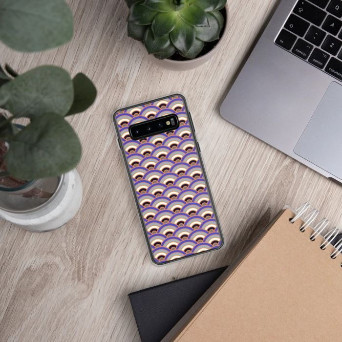 Japanese art - seigaiha pattern on a Samsung phone case