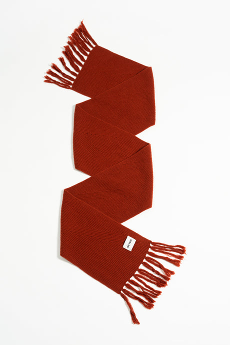 Brák Knitted Scarf — Rust