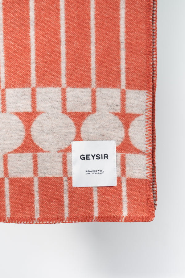 Load image into Gallery viewer, Hringir Icelandic Wool Blanket — Coral