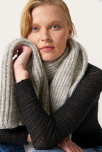 Load image into Gallery viewer, Funi Wool Scarf — Light Grey