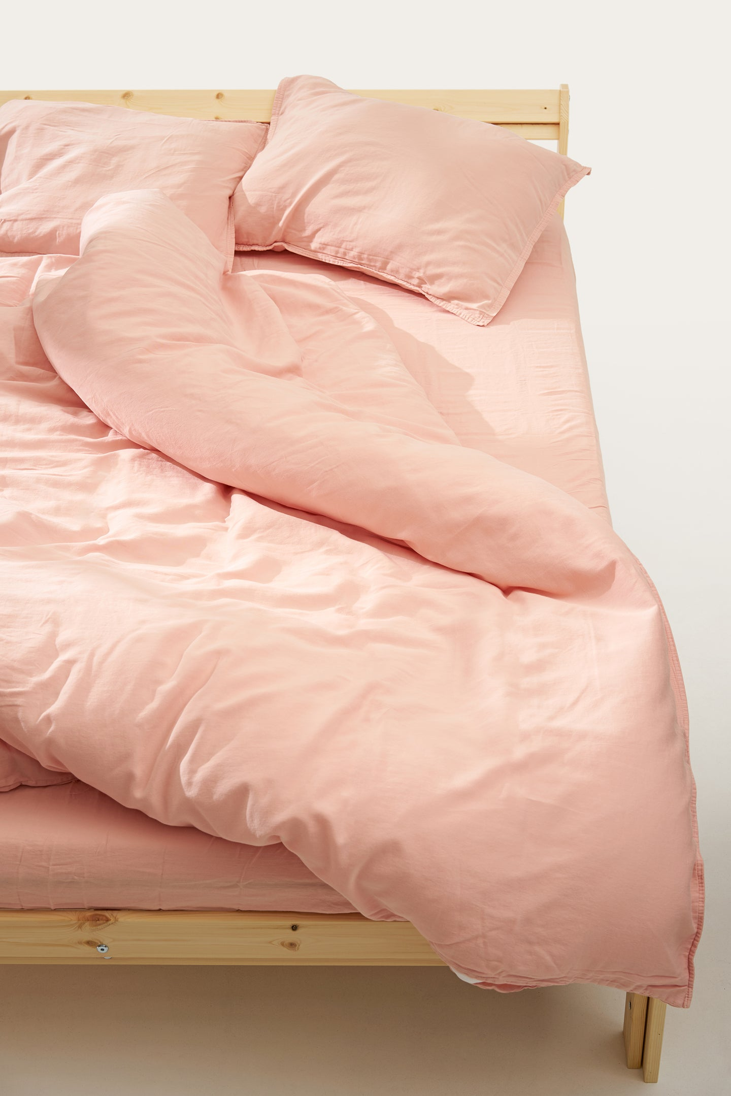 Nótt Fitted Sheet — Light Pink