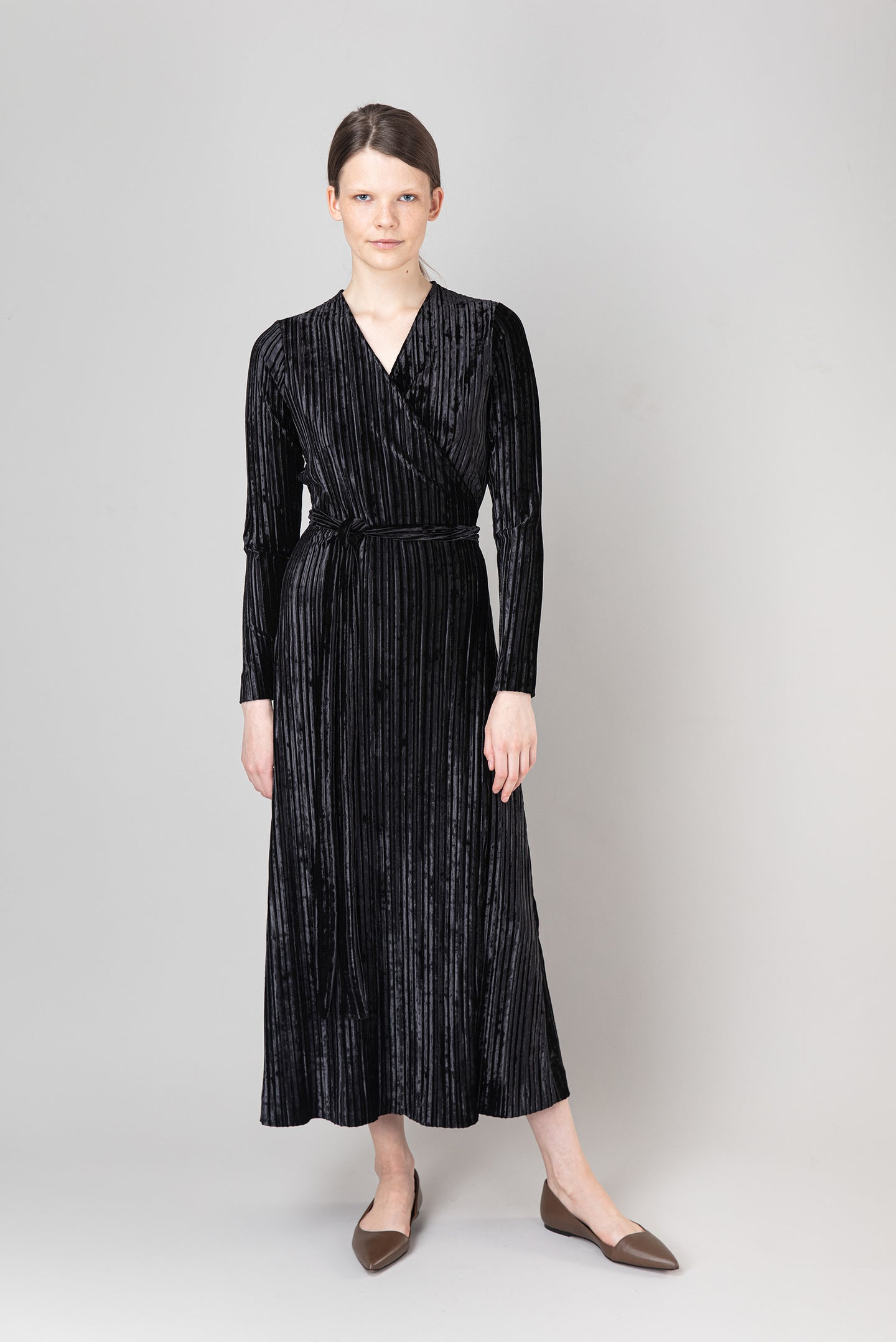 Bríet Wrap Dress — Black Velvet