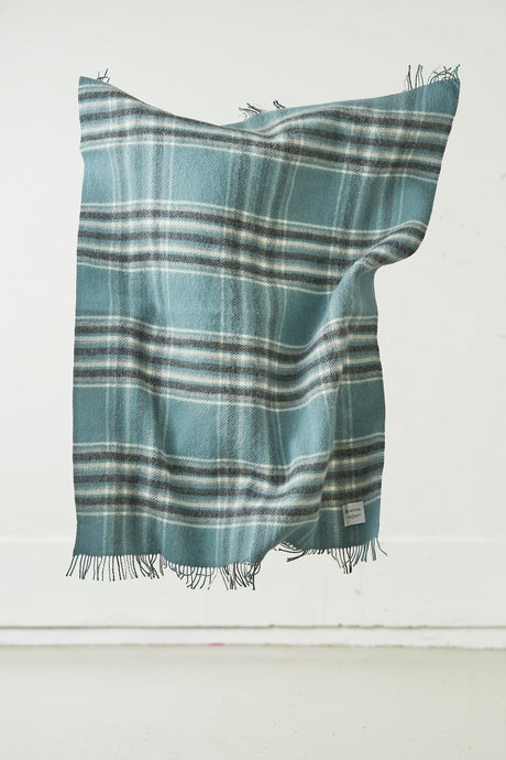 Laut Icelandic Wool Blanket — Cambridge Blue
