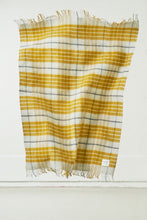 Load image into Gallery viewer, Klöpp — Icelandic wool blanket