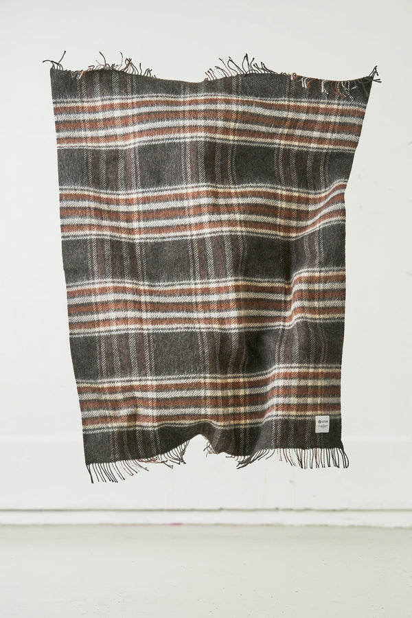 Load image into Gallery viewer, Laut — Icelandic Wool Blanket