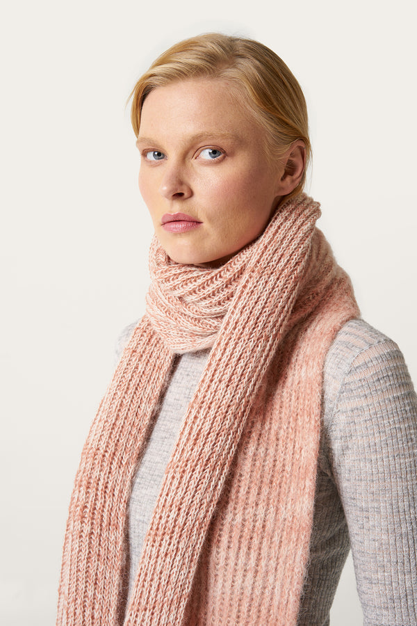 Load image into Gallery viewer, Funi Wool Scarf — Salmon Pink