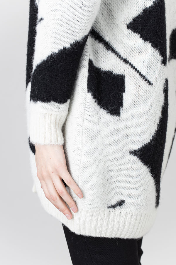 Load image into Gallery viewer, Form Cardigan — Icelandic Wool