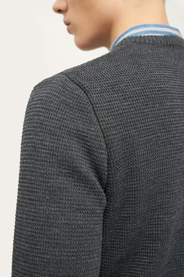 Load image into Gallery viewer, Ernir Merino Sweater — Dark Grey