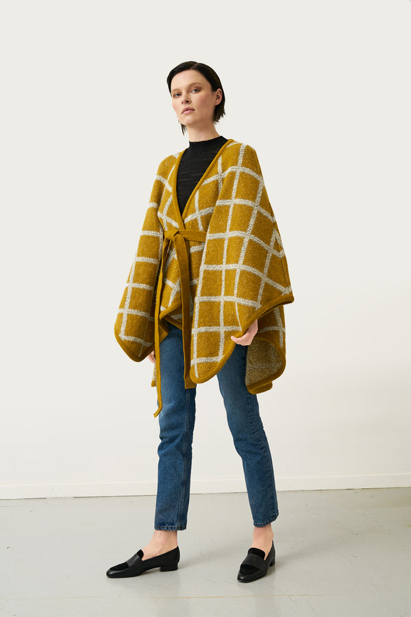 Load image into Gallery viewer, Tígla — Icelandic Wool Cape