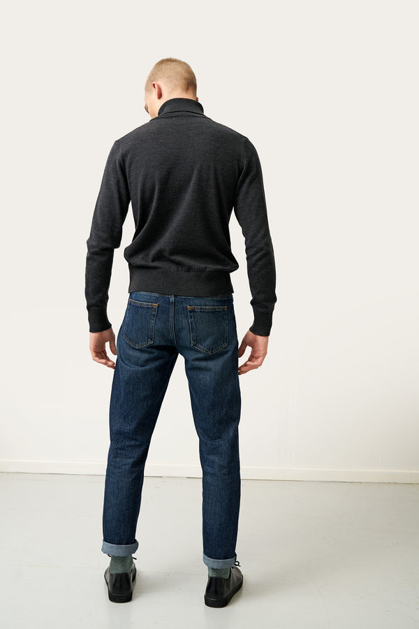 Load image into Gallery viewer, Ari Merino Sweater — Dark Grey
