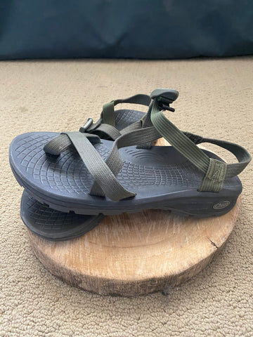 Chaco's Z2 green 11.5 U.S.