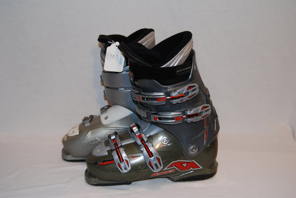 Nordica Olympia Adult ski boots