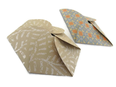 How to make pretty petal envelopes