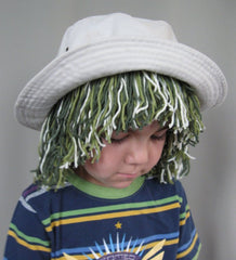 Funny diy yarn hair hat tutorial - easy halloween costume for kids