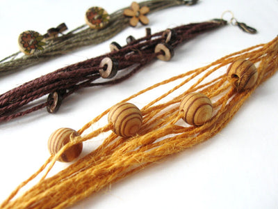Jewelry tutorial: making natural cord bracelets with wooden beads and buttons